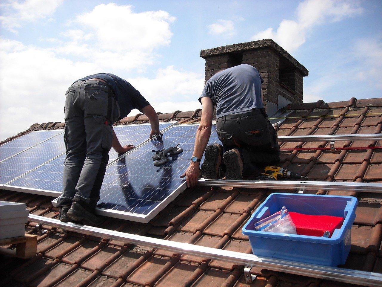 installation-de-panneaux-solaires-sur-votre-maison